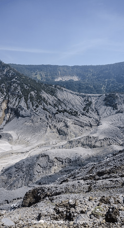 17. Read More - Gunung Tangkuban Perahu (wikipedia)