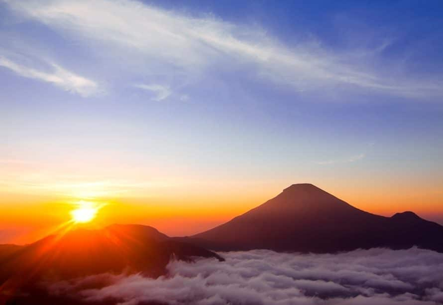 Wisata Alam Garut - Gunung Cikuray (Lima Kaki)