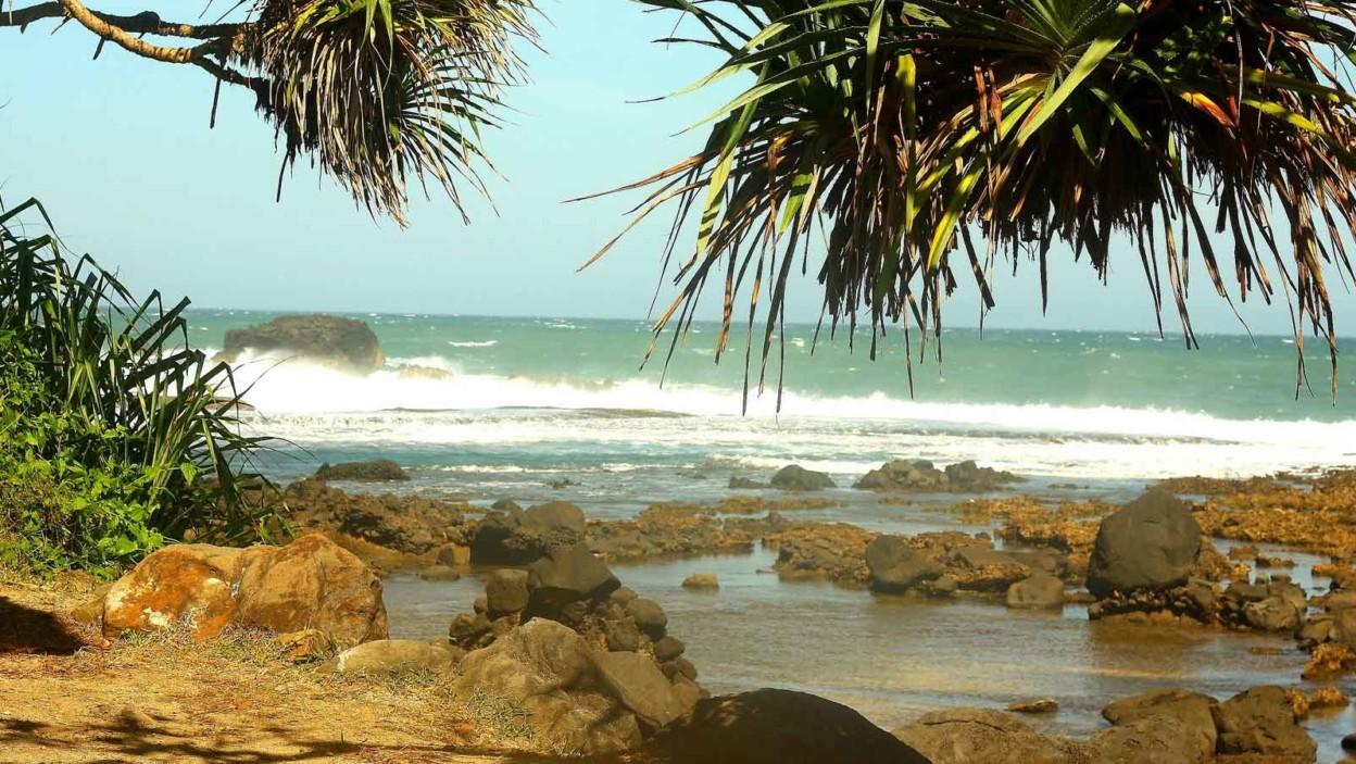 Pantai Rancabuaya (pantainesia)