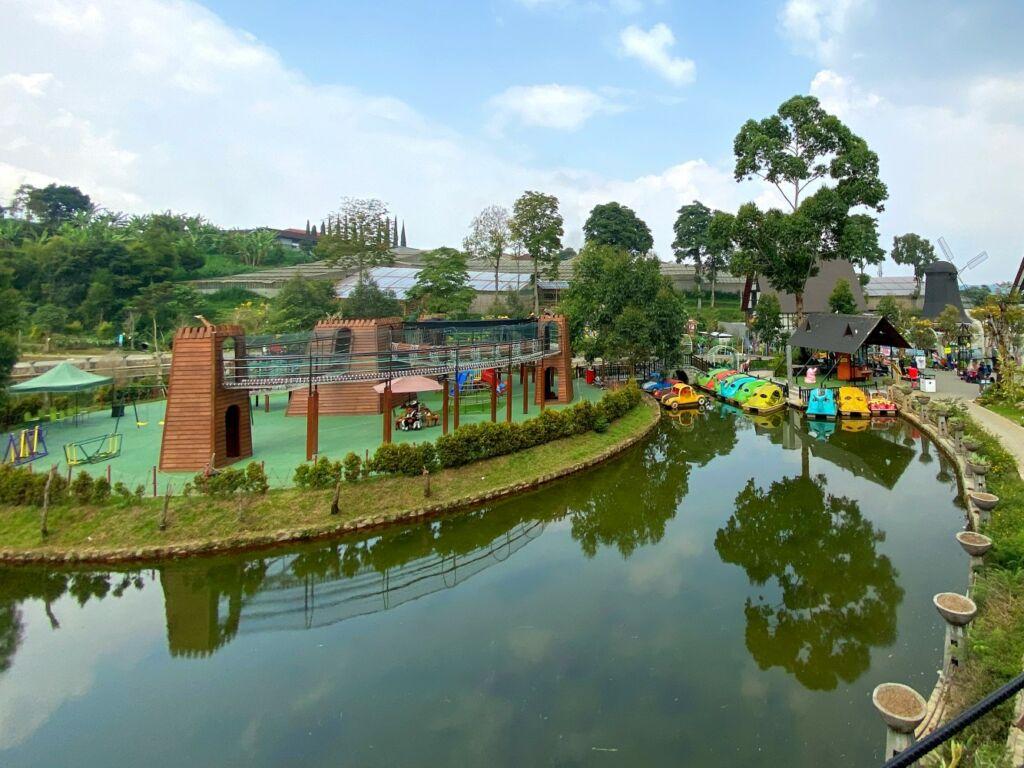 Area Taman Bermain Lembang Park & Zoo (travelspromo)