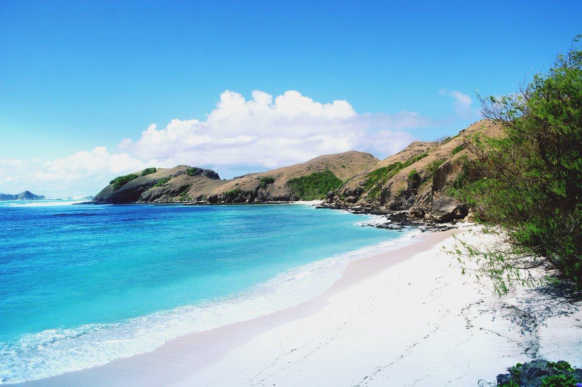 Wisata Lombok - Pantai Tanjung Aan (baumbah)