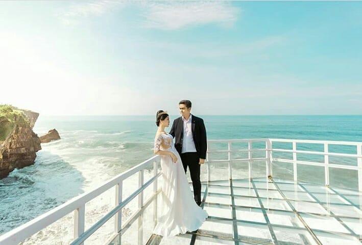 wisata di Jogja - Teras Kaca Pantai Nguluran (wisatakaka)