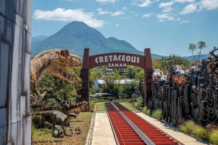 Cretaceous park (blog.tiket)