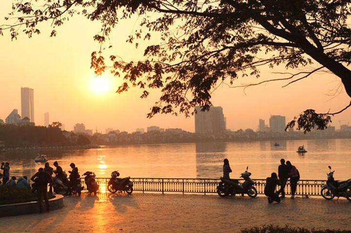 Tempat Wisata di Hanoi - Danau Ho Tay (pinterest)