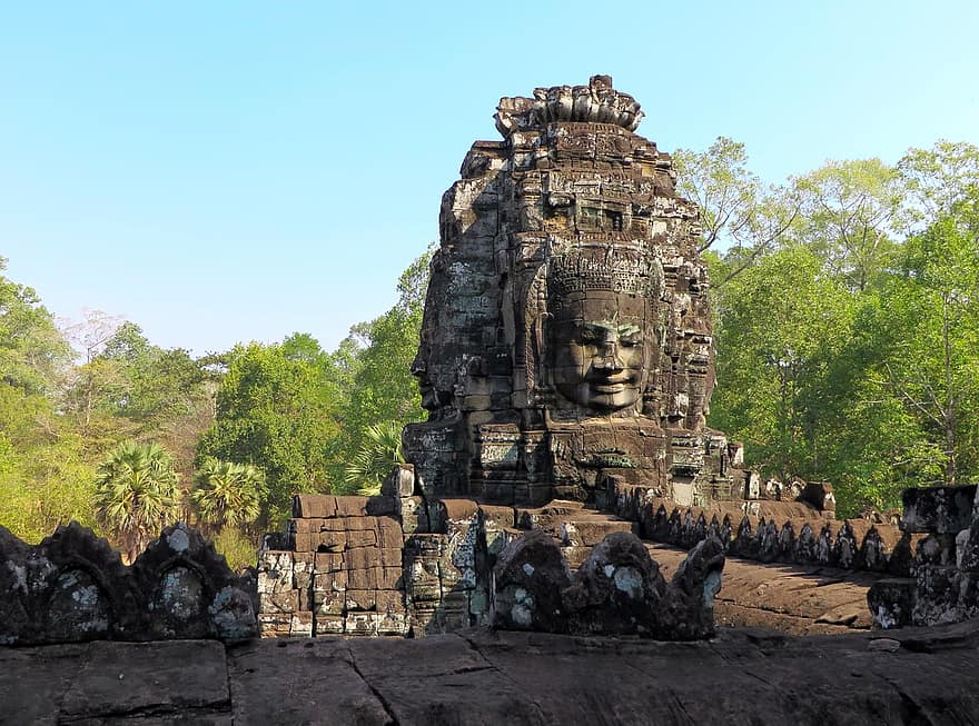 tempat wisata di Kamboja - Kuil Bayon (pikist)