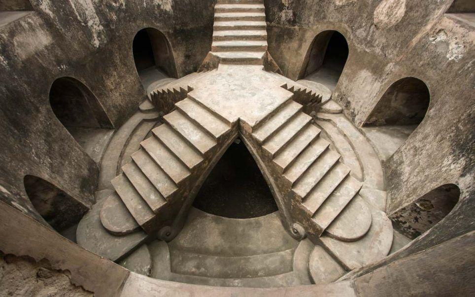 Sumur Gamuling dan Masjid (pinterest)