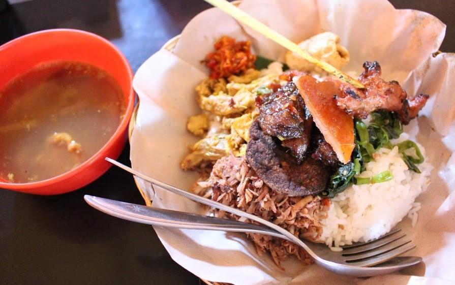 Kuliner Bali - Babi Guling Sari Kembar 99 (thebalibible)