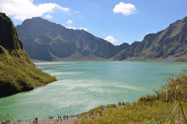 tempat wisata Filipina - Gunung Pinatubo (wisatafilipina)