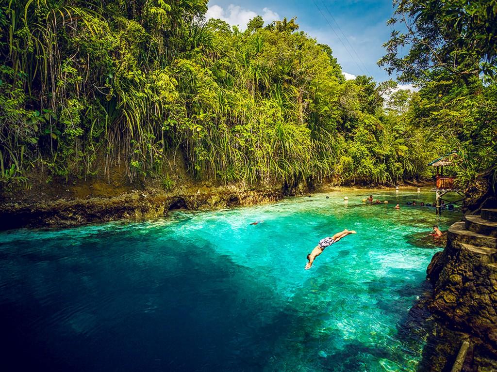 tempat wisata Filipina - The Hinatuan Enchanted River (archipelago)