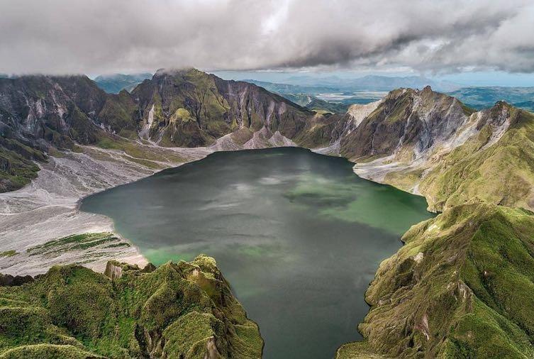 tempat wisata Filipina - Gunung Pinatubo trekking (bundachila)