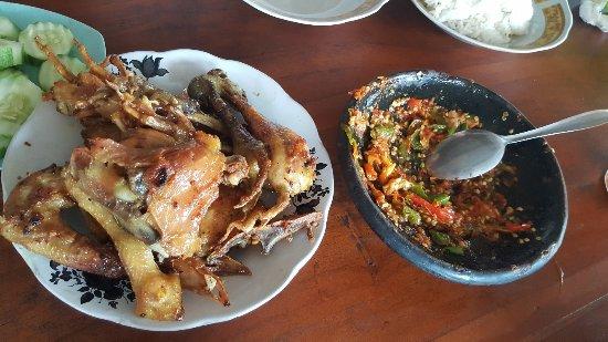 Itinerary Jogja 3 Hari 2 Malam Balance Kekinian Hits & Alam: Bakmi, Soto & Ayam Goreng Mbah Noto (meyrisca)