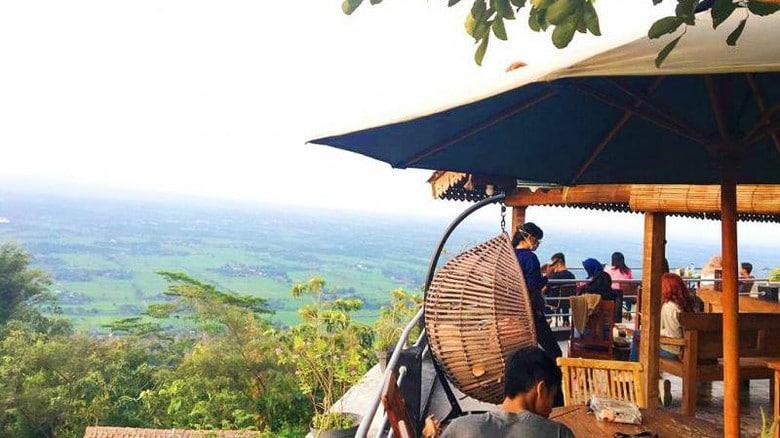 Itinerary Jogja 3 Hari 2 Malam Balance Kekinian Hits & Alam: Watu Langit Jogjaa Coffee and Resto (yudadwinug)