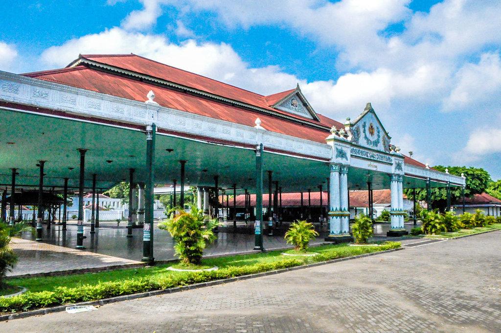 Keraton Yogyakarta (alodiatour)