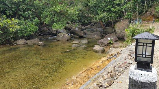 Tempat Wisata Hits di Belitung - Batu Mentas, Belitung (tripadvisor)