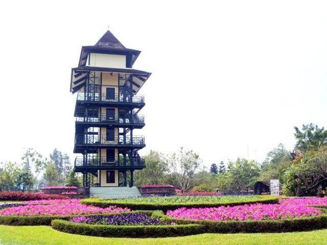 Taman Bunga Nusantara - Menara Pandang (batamtoday)