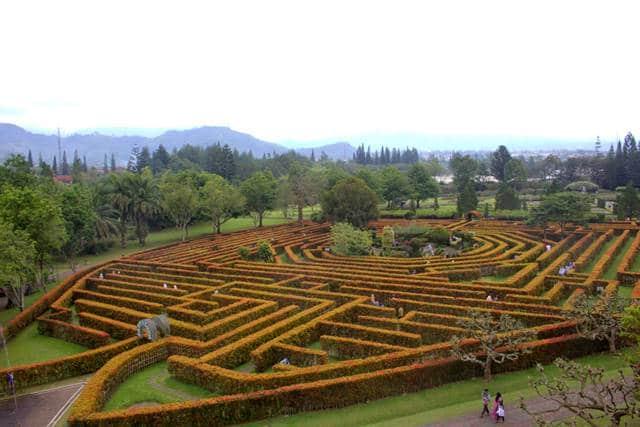 Taman Labirin (lovelybogor)