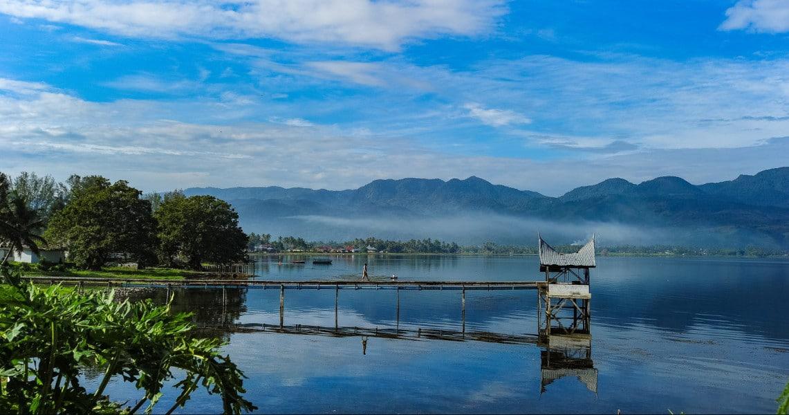 Wisata di Sumatera Barat - Danau Singkarak (tempatwisataunik)