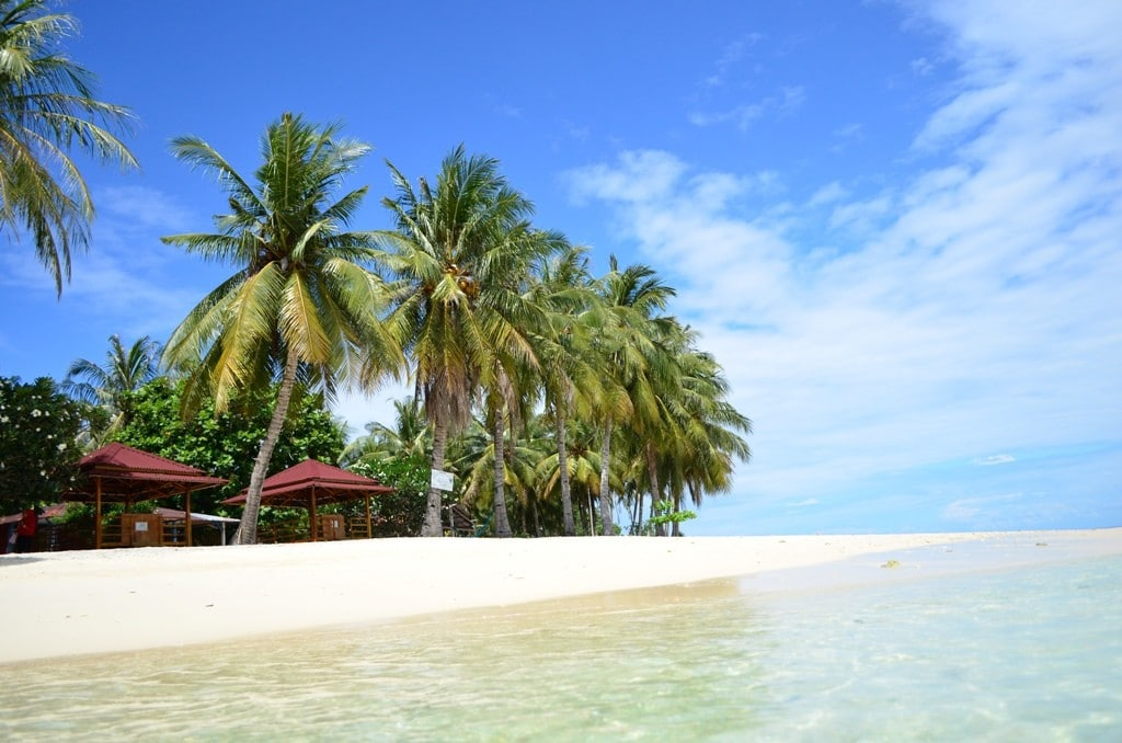 Wisata di Sumatera Barat - Pantai Pagang (ksmtour)