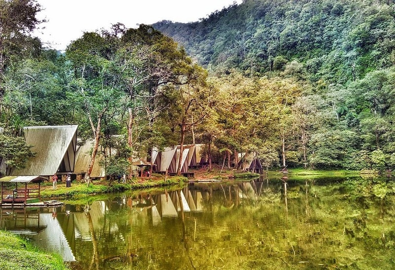 Tempat Wisata di Bogor yang Paling Murah - Telaga Warna (travel.okezone)