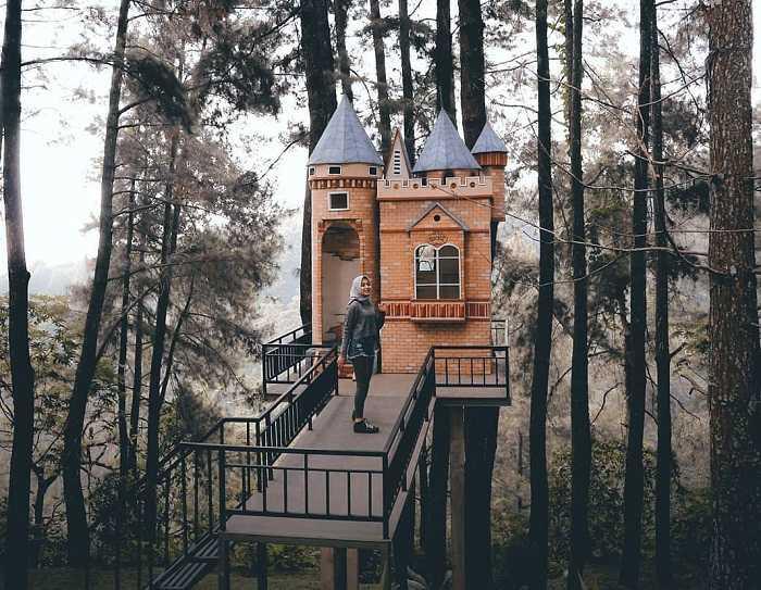 Menara pandang (dakatour)