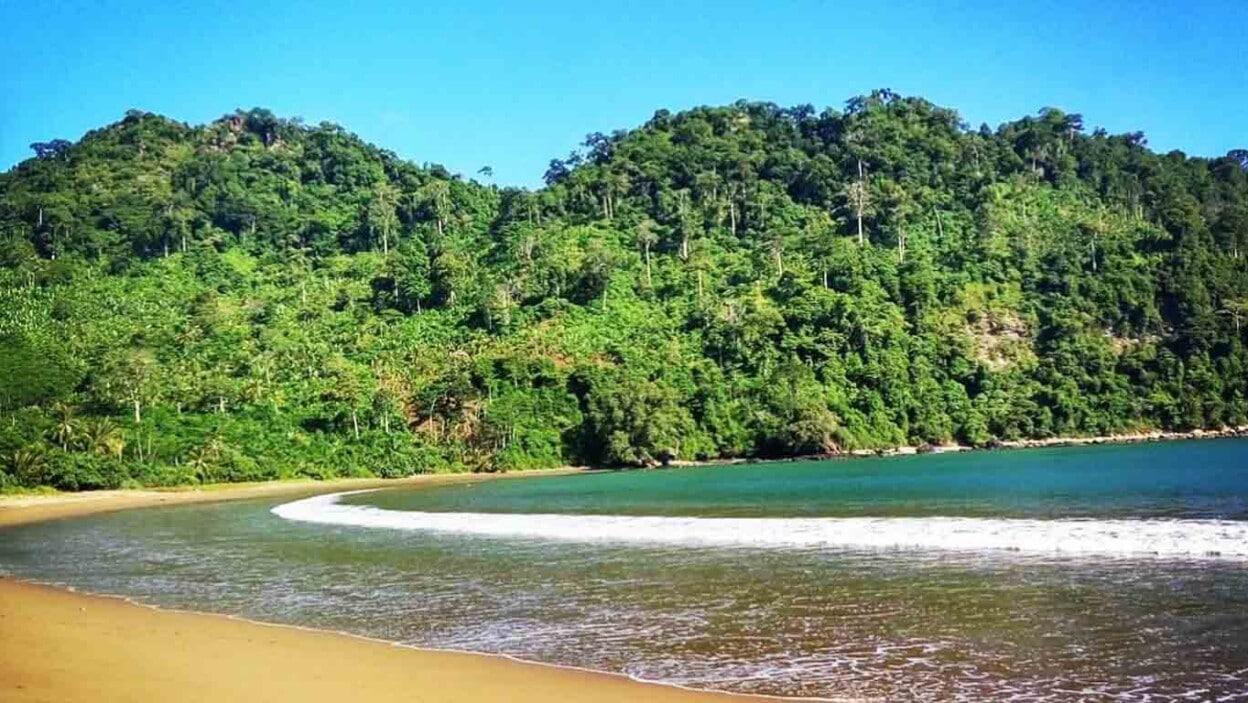 Pantai Sipelot (potretmalang)