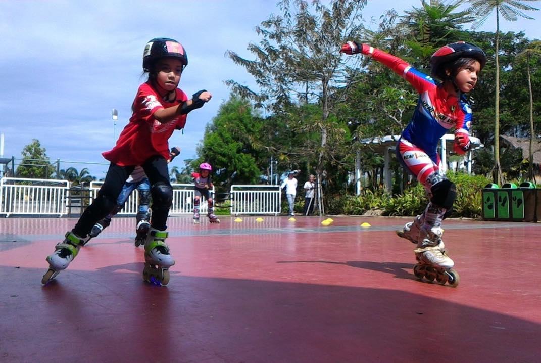 Scientia Square Park - In-line skate (travelpiknik)