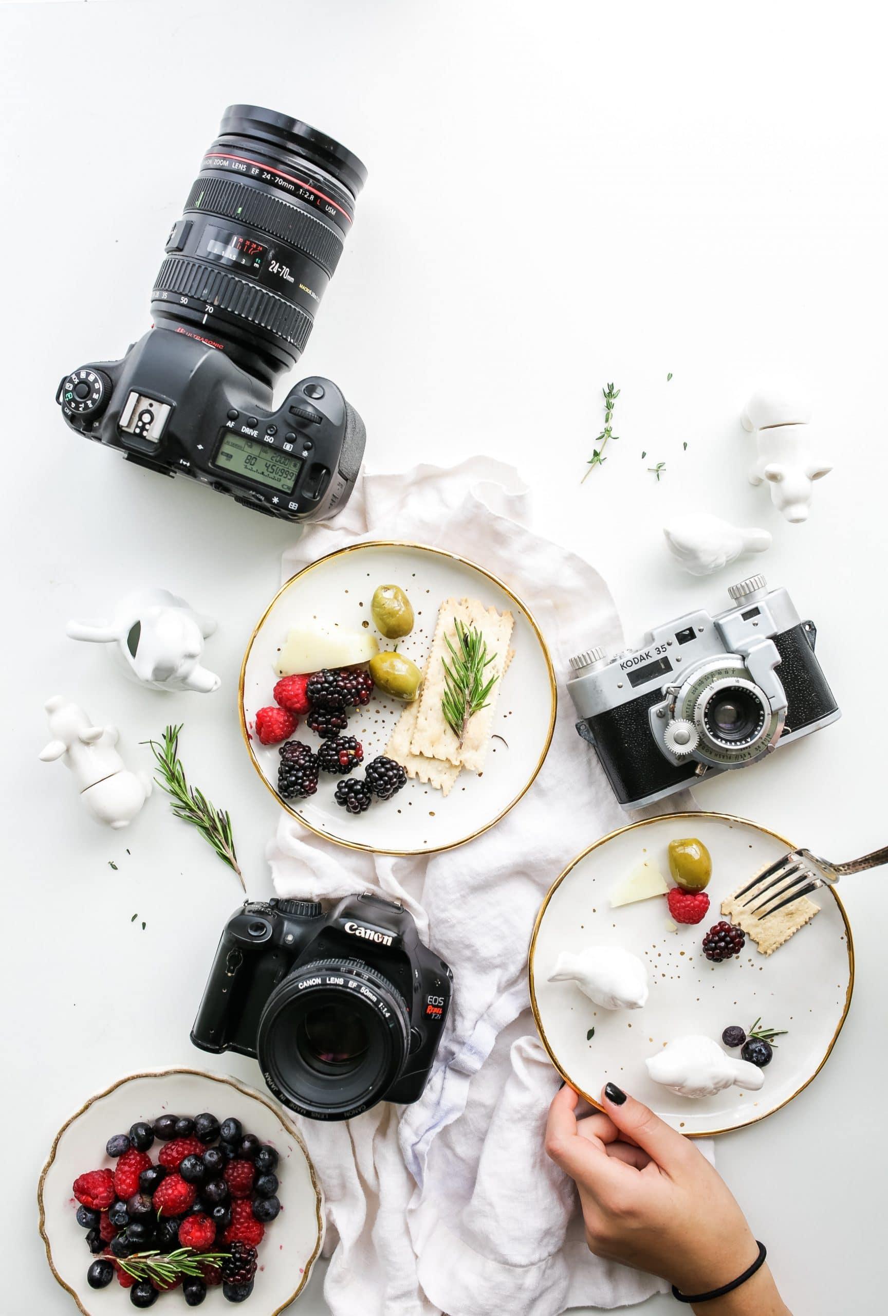 Kamera dan Makanan (brookelark)