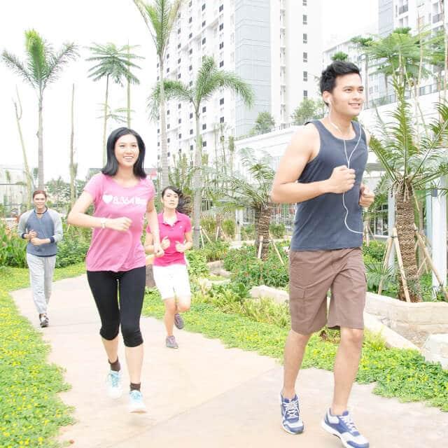 Mini jog around the park (scientiasquarepark)